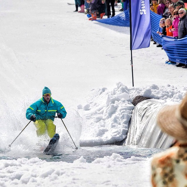 The Pond Skim was a huge hit this weekend @sunvalley ! It's awesome to be apart of such a rad community the gets hyped on the mountain lifestyle!  #PHGB #jointhemovement @spencer_9