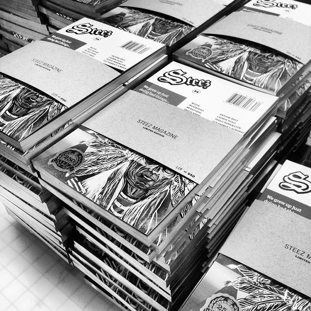 Stacks of our new limited editions ready to get shipped. Gold edges, signed and numbered bands by @bb_bastidas get em online at steezmagazine.com #steezmagazine #limitededition #artistseries #bbbastidas #printisdead #issue34 #magazine #steez #goldgild