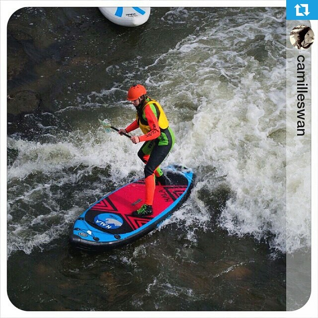 #Repost of @camilleswan surfing it up on the #halapeno !! ・・・ Took the HalaPeño for our Surf Sunday paddling sesh with @confluencekayaks !  Original photo taken by @dweihnacht  #standuppaddleboard #sup @coloradosup @cosupsports #southplatteriver...