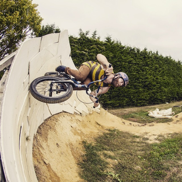 Just a round trip. #TipToTail #BMX  @mikehucker