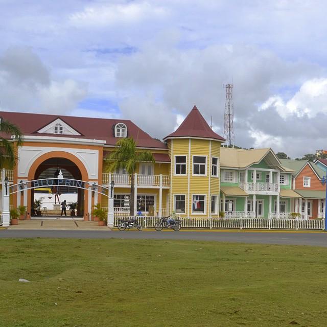 Pueblo Principe - Samana - Republica Dominicana. #agean_fotografia #all_my_own #canon_photos #canon_official #d3100 #estaes_america #fotosnomadas #ig_southamerica #ig_all_americas #ig_americas #ig_bolivar #ig_dominicanrepublic #latinoamericaneando...