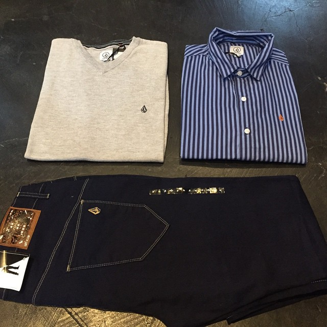 Stripe It Shirt + Solid V Neck Sweater + Riser Fit Dark Blue #Invierno #aw15 #VolcomBrandJeans #VBJ #TrueToThis