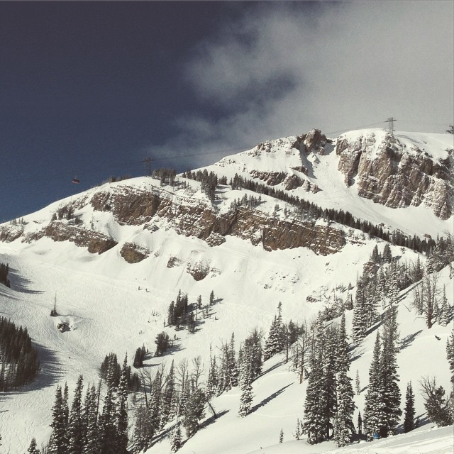 Bluebird and a nice refresh! Stoked to find some #winter in @jacksonhole. #qualityshafts