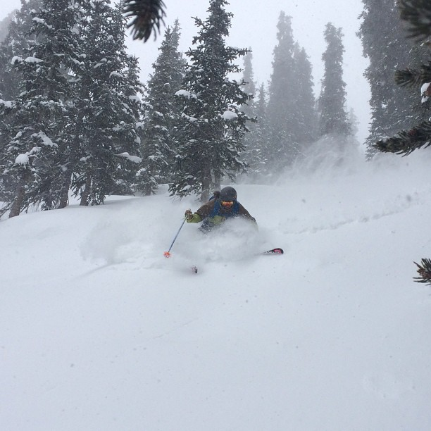 @jenny_ryden_harris enjoying some #deep turns in #highlandsbowl today! #wintersback @aspensnowmass
