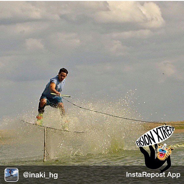 Repost from @inaki_hg via @igrepost_app, it's free! Use the @igrepost_app to save, repost Instagram pics and videos, Hoy<> de gira por la costa con #Acidwinchcrew! =) Grax #PasionExtrema y #FoxSport @u.fit.argentina  @wildonwater  @Slingshot...