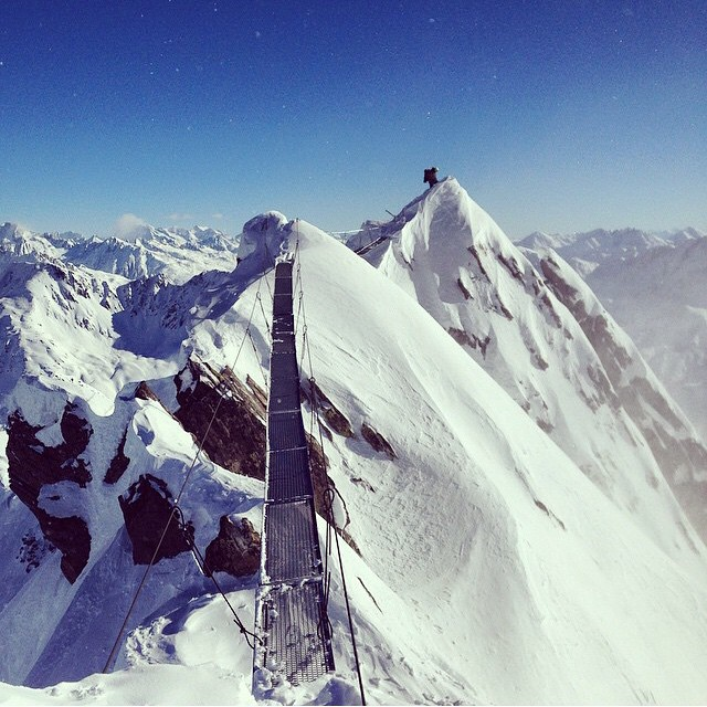 @wileymiller has been on a mission this winter. Here he is in Switzerland about to drop in. #shapingskiing