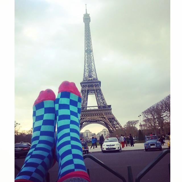 @tiendasuarez et la #TourEiffel #MediasConOnda #socks #travel with #style #YoUsoSuarez