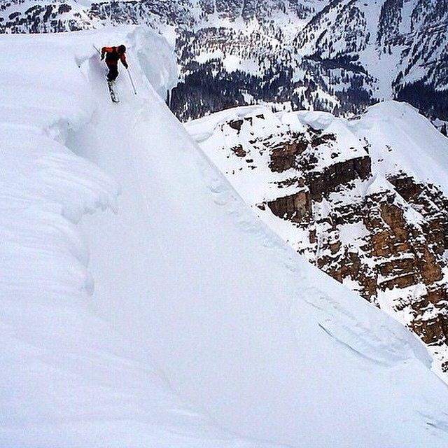 Crew member @blzablaine scoring some pow lines // Jackson Hole // Have you found winter??? #disidual #brokeandstoked #ski #winter #jacksonhole #keepitwild