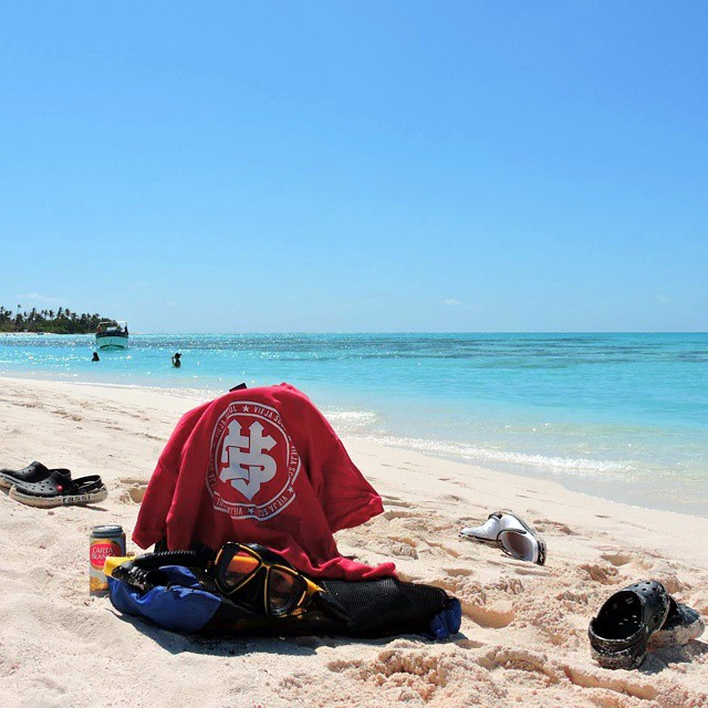 Beach day in Cayo Bolivar, Colombia #relax #beach #travel #sea #tshirt #skateshop #viejascul