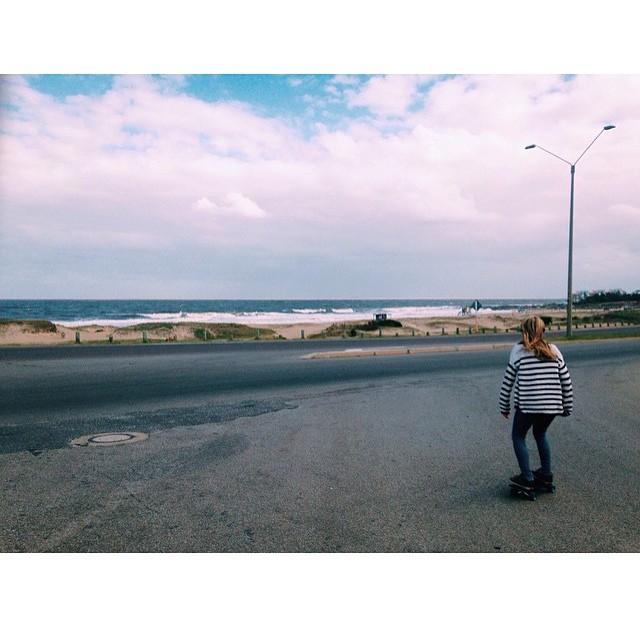 Riding fish in Montoya Beach, Uruguay with @sofimblanco and @manugarzaron #netstodecks