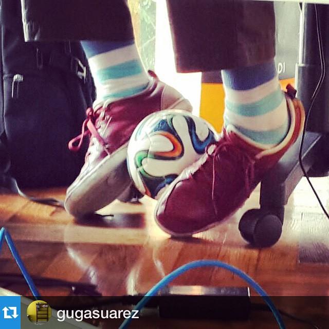 #Repost @gugasuarez with @repostapp.・・・Sz at Work #LaVecinal #LaCaprichosa @adidasoriginals @tiendasuarez