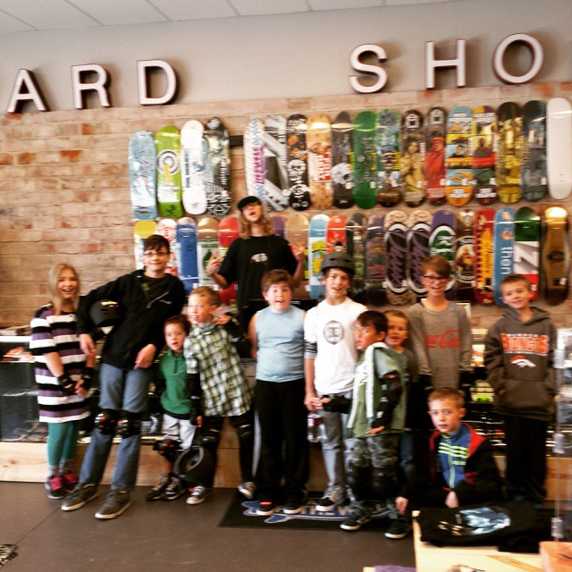 Blurred spring break! Thanks to yhe city of Parker and 720 Boardshop for making it extra awesome. @vansrockies #seventwentyboardshop #skatestart #springbreak #goskate