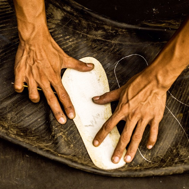 Strong hands, strong minds, responsibly made footwear. Every day we work on contributing a little more to this
