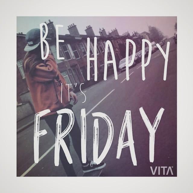 ♡♡Feliz viernes!!♡♡ - Para comprar nuestras caps, metete en goodpeople.com/vita - ▲▲ Y no te olvides de participar en el sorteo por las dos gorras!! ▲▲ #VitaCaps #VITA #LifeStyle #Autumn #Skategirl #GoodPeople #Friday #Fun