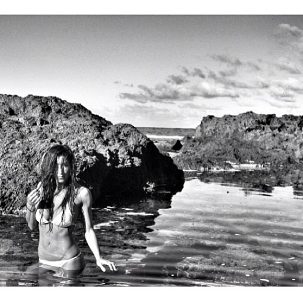 @staceyybrooke #enjoying a little #hawaiian time on the #northshore #bw by @danegrady #happysaturday