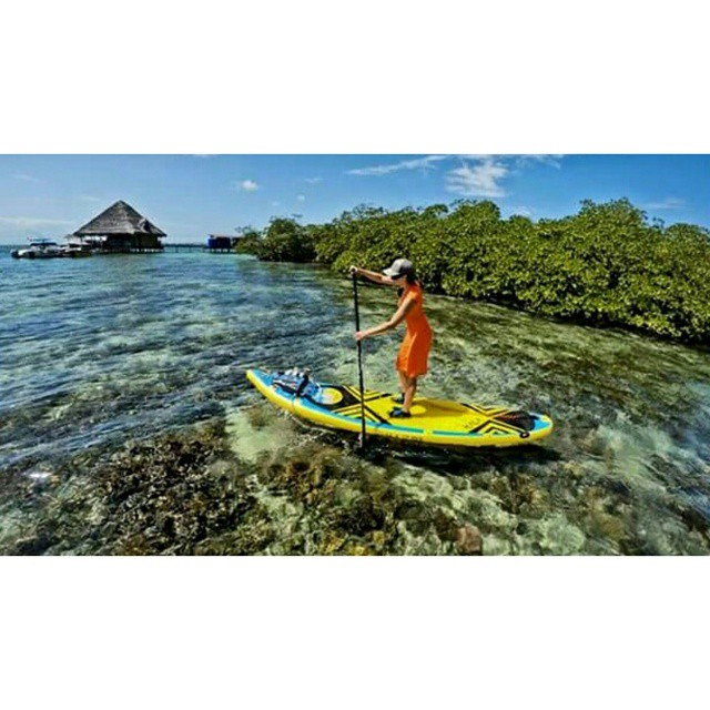 Beautiful photo of @kashapup paddling in Panama.  Photo: @suppaul_photos #halagear #halaplaya #adventuredesigned #sup #theweeklyinsta #standuppaddle #panama #paddleboard #paddling #stand_up_paddle #explore #outdoorwomen #adventureladies #repostmysup...