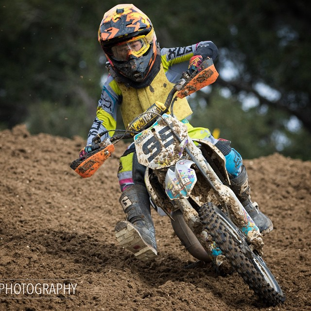 @cody95mx ripping at the @gatorback_cyclepark gold cup. Form is always on point... Even his toes look good in this photo! #wolfpack #wolftrainingacademy #moto #goldcup #gatorback #atifamily #aspiretoinspire @aticlothing @barnettmxphotography...