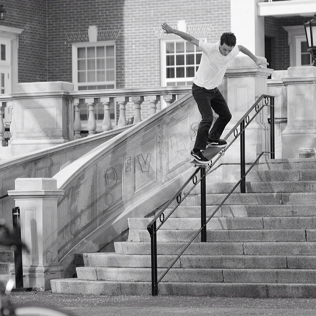 It's been a long week. We'll leave ya with this Ethan Edwards hammer of a #bs5050 #11stair taken by @timshootsppl from #issue34 #steezmagazine #ethanedwards #skateboarding #devils #handrail