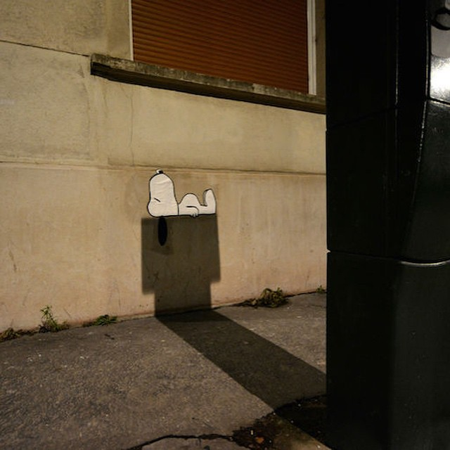 Snoopy posted up in Saint-Etienne, France! Brand new street piece by OakOak #streetart #snoopy #charliebrown