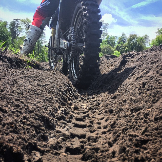 Solid rut training for the kids! #wolftrainingacademy #moto #motocross #ruttraining #wolfpack @ehastings51