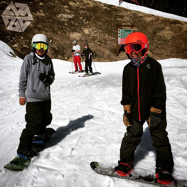 Cullan Charger @a_days_loss and Matisse McClay  from  Cheyenne River SD (Lakota Tribe) came out to @jacksonhole to shred with us at the ITWSS event. Friendships made on the hill last a lifetime! #Futurepositiv Project in action! Thanks @juliezell for...