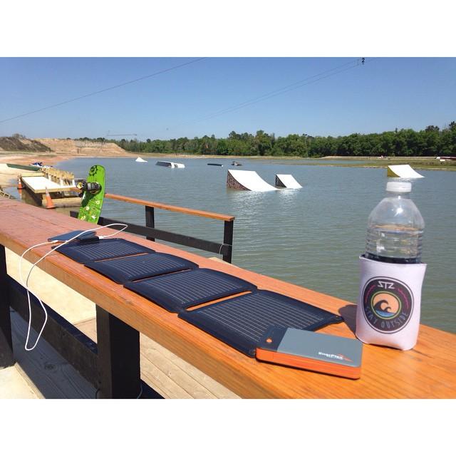 Taking advantage of the sun at @valdostawakecompound and staying charged with our @go_enerplex solar panel | #gooutside #stayoutside #AlwaysInCharge #stzlife #wakeboard #happyshredding