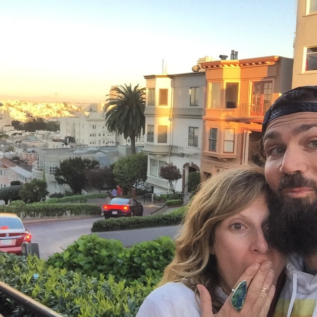 We live where you vacation #sanfranciscoselfie #sanfrancisco #lomardstreet #russianhill #selfie