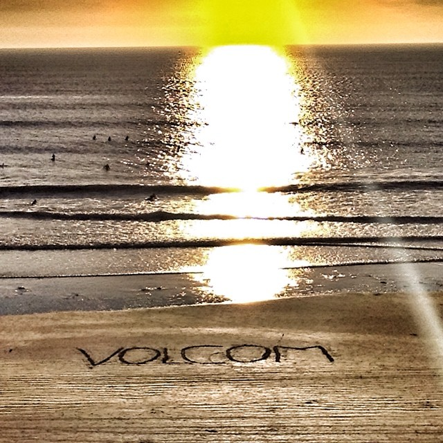 Llega la tarde nos preparamos para una semana Caliente. #volcom #sunset #week