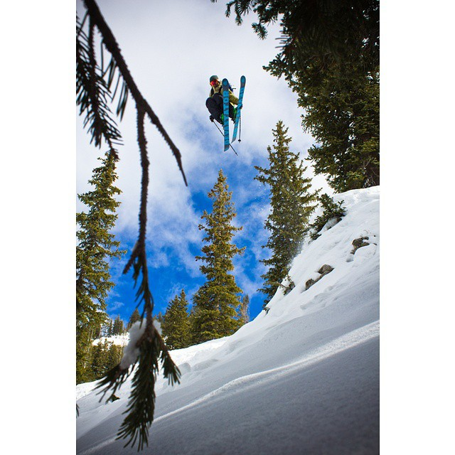 @naesserik taking full advantage of @altaskiarea 's plentiful natural features on next year's #devastator #shapingskiing Photo: @austinramaley