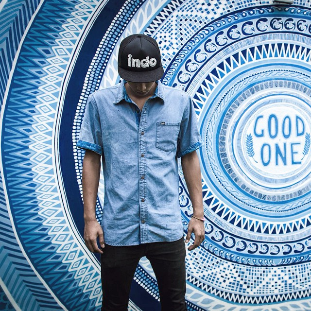 Hope you got caught in a vortex of good vibes this weekend✌️#indohat #DenimShortSleeve #soleswithsoul