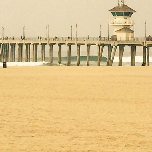 Happy Monday! Surf is pumping in SoCal! #uluLAGOON #surf #hb #surfcity #surfwaxcandles #pier #beachculture #coastal