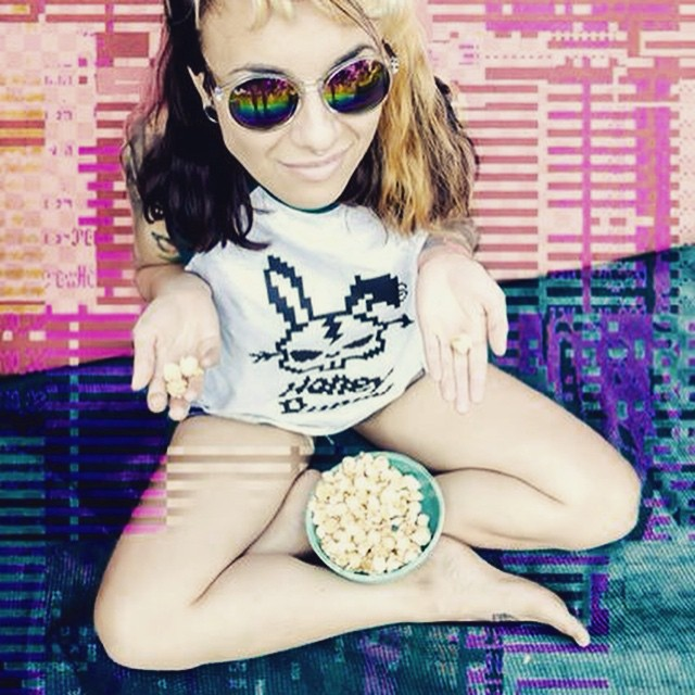 Pop Rock #pixel #pixelart #fashion #design #urban #popcorn #bunny #girl #cool #urbanroach #urbanlife