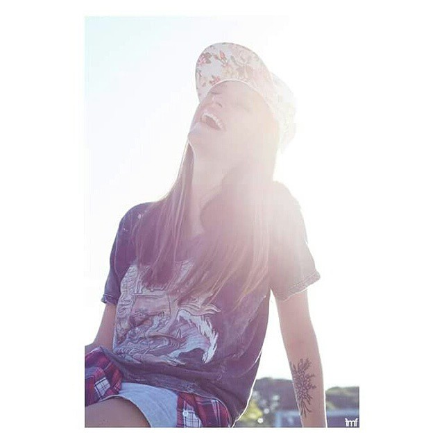 ♡Hermosa @irumargolin by @malenafradkin con su Ámsterdam Blanc♡  Pedidos a goodpeople.com/vita !! #VITA #VitaCaps #LifeStyle #Monday #Fun #Short #Week #Beautiful #Cap #Sun #Autumn
