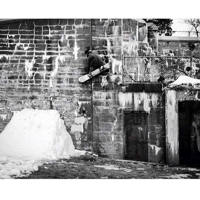 Dope spot for a sketchy wallride. Shot by @Marco____d of @ryan_kitt in #issue34 #steezmagazine #wallride #snowboarding @mnmntsnowboards