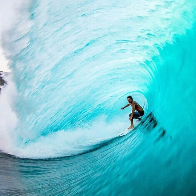 Little Tuesday #Riding #Inspiration for you brought to you by #revbalance #balance #surf #surfing #DroppingIn #HugTheWall #SurfForInspo #SurfingInspiration #boarding #LoveToRide #BoardSports #InstaGood #PicOfTheDay #RideTheWave #OneWithTheOcean...