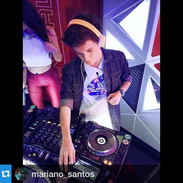 @mariano_santos  Con remera JUNGLE ✌️