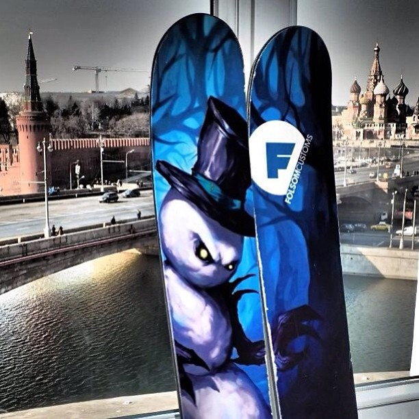 We love seeing all the #awesome places our skis have been. Pictured here is a 186cm Rapture in front of the Kremlin in Moscow #Russia thanks for the killer photo Ismet!