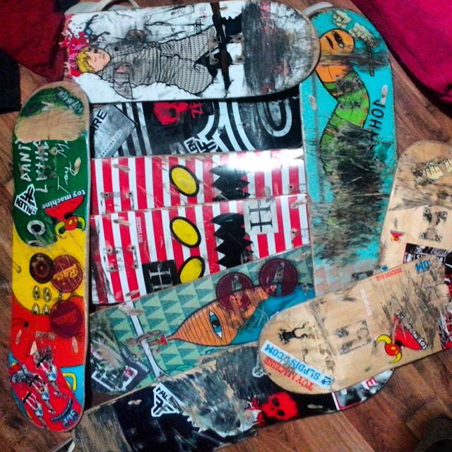 Gracias jony Rodriguez  por ser parte de la donacion de tablas! Increible regalo nos hizo este tremendo skater! Y te felicitamos por la excelente tapa y nota super hammer que tenes en la nueva revista Buenos Muchachos!  El que quiera ayudarnos como...