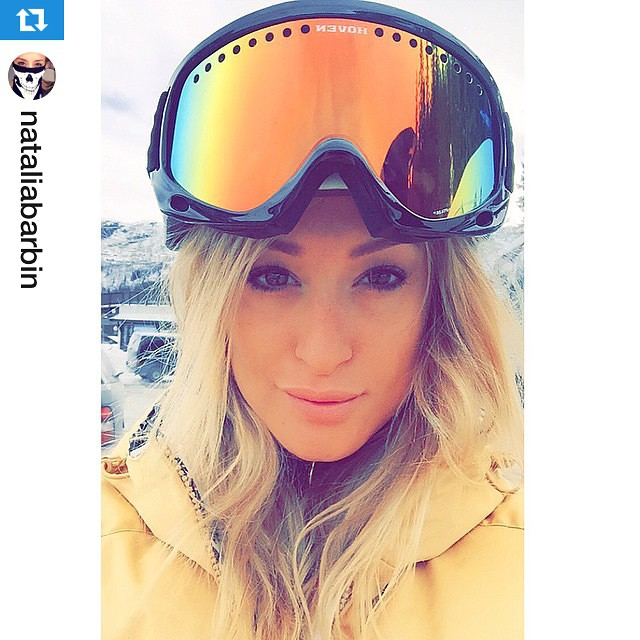 Hoven Hump Day Shoutout from @nataliabarbin #hovenvision #wcw #snow #shred ・・・