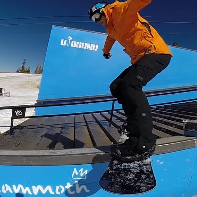 @aramze30 #unbound @mammothmountain #snowboarding #parklaps @gopole #JustSendIt #mammothstories #spring #sendit @lacey.ramsey