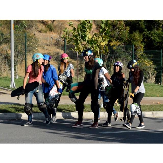 LGC Chile ha organizado su primera quedada y escuelita del año este sábado 4 de abril! Ir a longboardgirlscrew.com y chequear el video-flyer invitando a todas las riders Chilenas y Sudamericanas. Gran trabajo chicas y a divertirse!  #longboardgirlscrew...