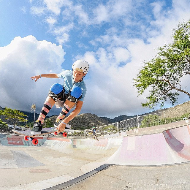 @benazelart boosting into the clouds above Hawaii! Happy Wednesday everyone. The sun is shining here in Vancouver and life is good :) Photo @julienazelart #predator #sk8 #originalpredatordesign #hawii #sun #clouds #skatepark