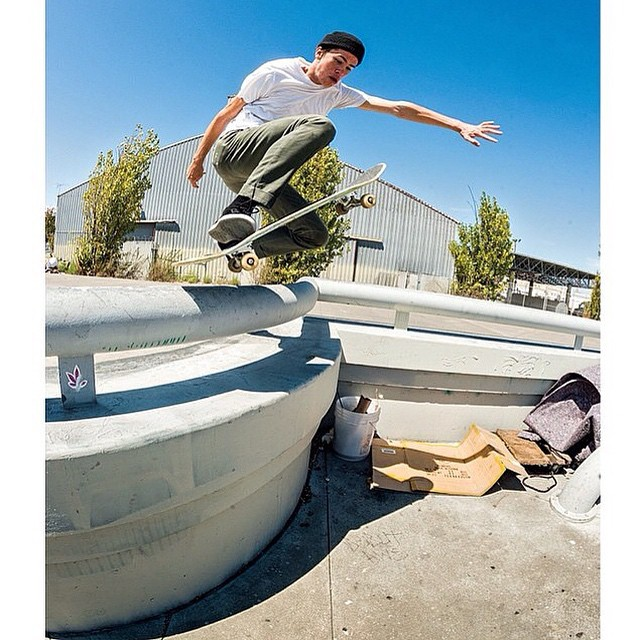 @bobbydekeyzer stepping it up and over the bar at 3rd and Army. No Comply. Photo: @blabacphoto #BobbydeKeyzer #DCShoes