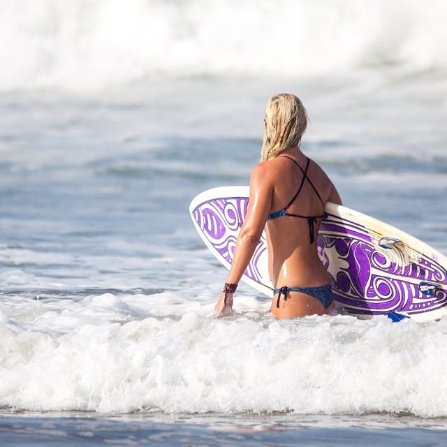 If you need us, you know where we'll be... #surfsup #waveafordays #thisiscostarica #miolagirl @lindalillebrekke in our Supercheeky Bottom & X Back Top in Playa Avellanes.