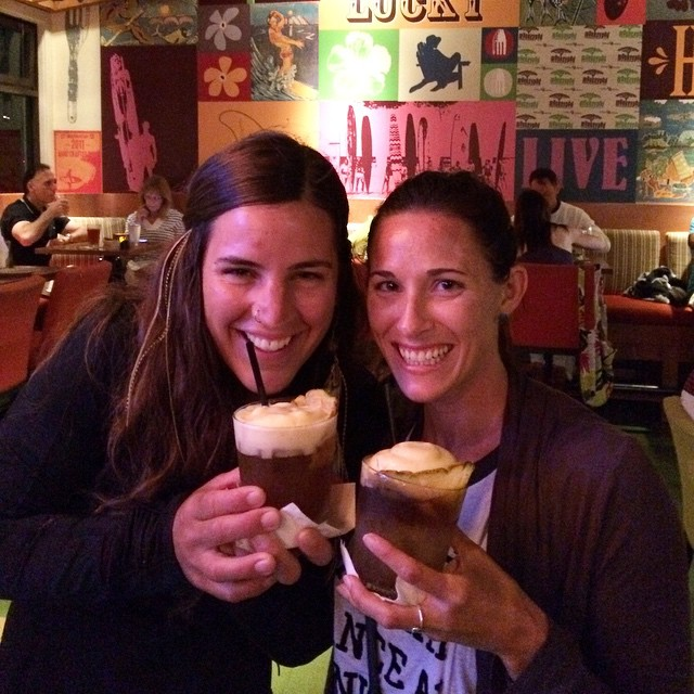 Throw bAck to Hawaii when @waveofwellness and I had the most amazing Mai-Tais of our lives!!! Mmm...heaven in a glass! #Hawaii #maitai #heaven #throwback #tbt