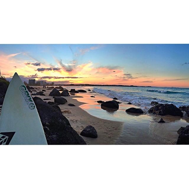 Atardecer en kirra beach de los que no te olvidas // Coolangatta, Australia // #chill #surfing #sunset