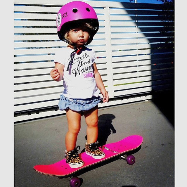 It's #Friday, y'all. Get on with your bad self. #behealthygetactive  Regram: @pinkhelmetposse