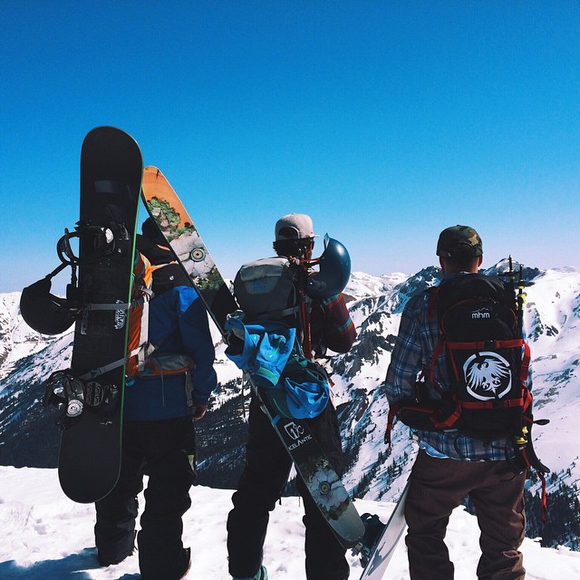 End of season? Not for these guys. Our good homie @jshaffro at @neversummerindustries and friends gettin into some Silverton with a gang of PowderKegs. Also, shout out to his wife @kltrolinger for watching my dog while I'm in Cali! #neversummer...