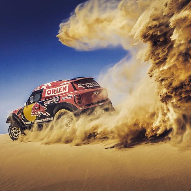 Enter sandman. #abudhabi #desertchallenge @redbulldesertwings #rally