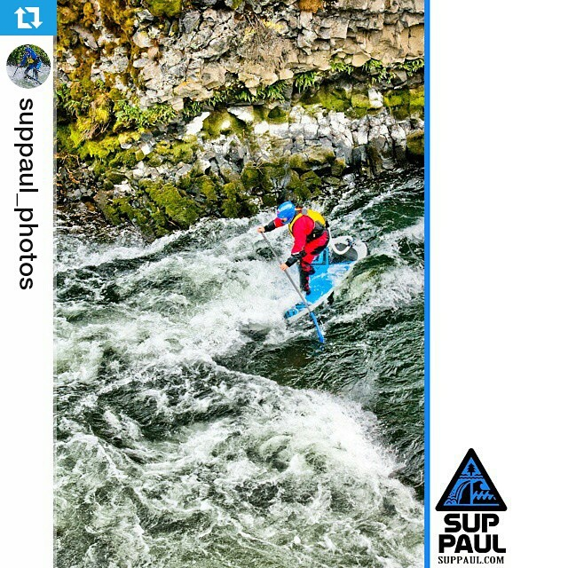 #Repost from @suppaul_photos ・・・ Dillon Falls #paddleboarding #suppaul #riversup #halagearsup #switchsunglasses #kialoa #astralbrewers #shredreadyhelmets #dillonfalls #bendoregon